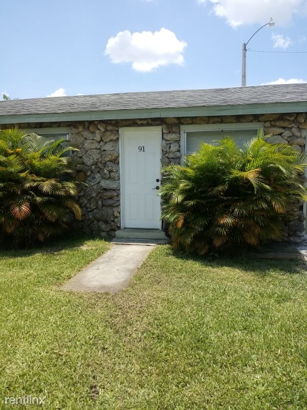 1064 N. Tamiami Tr. 91, North Fort Myers, FL - $1,000