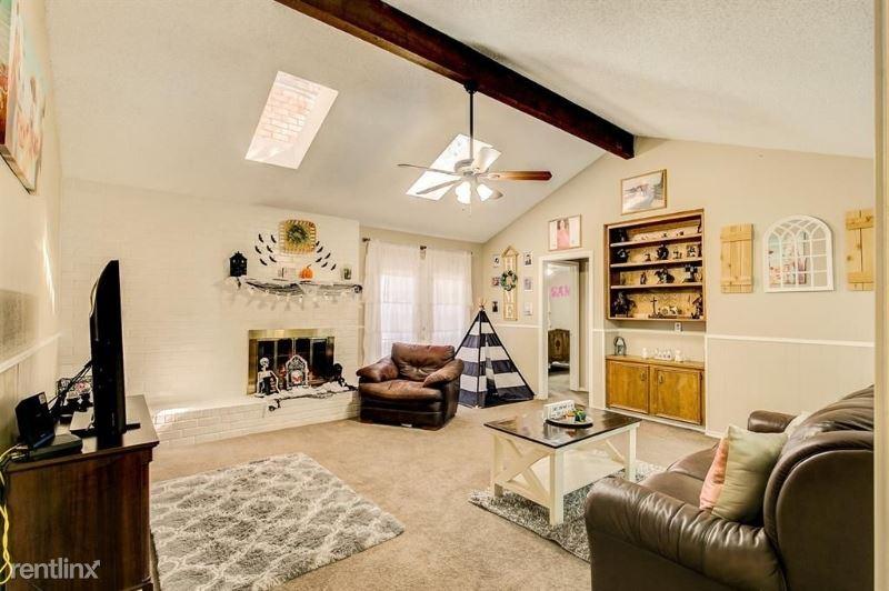 1115 Dove Hollow Rd, Granbury, TX - $1,600