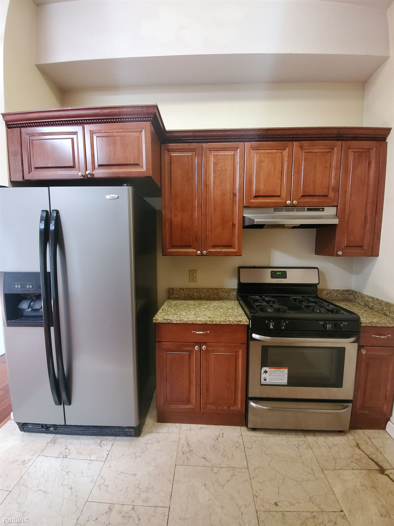 850 Grand Ave Unit 206, New Haven, CT - $1,300