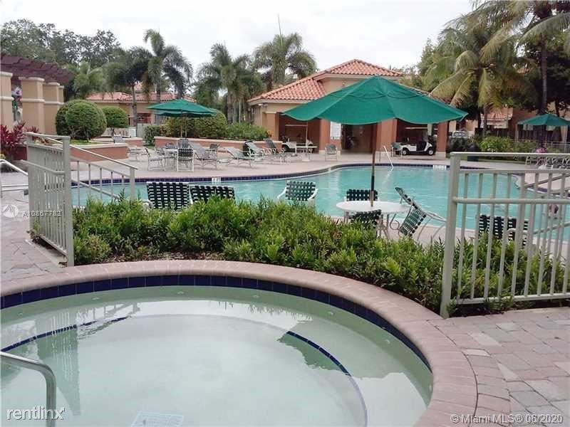 2307 Anchor Ct, Fort Lauderdale, FL - $1,975