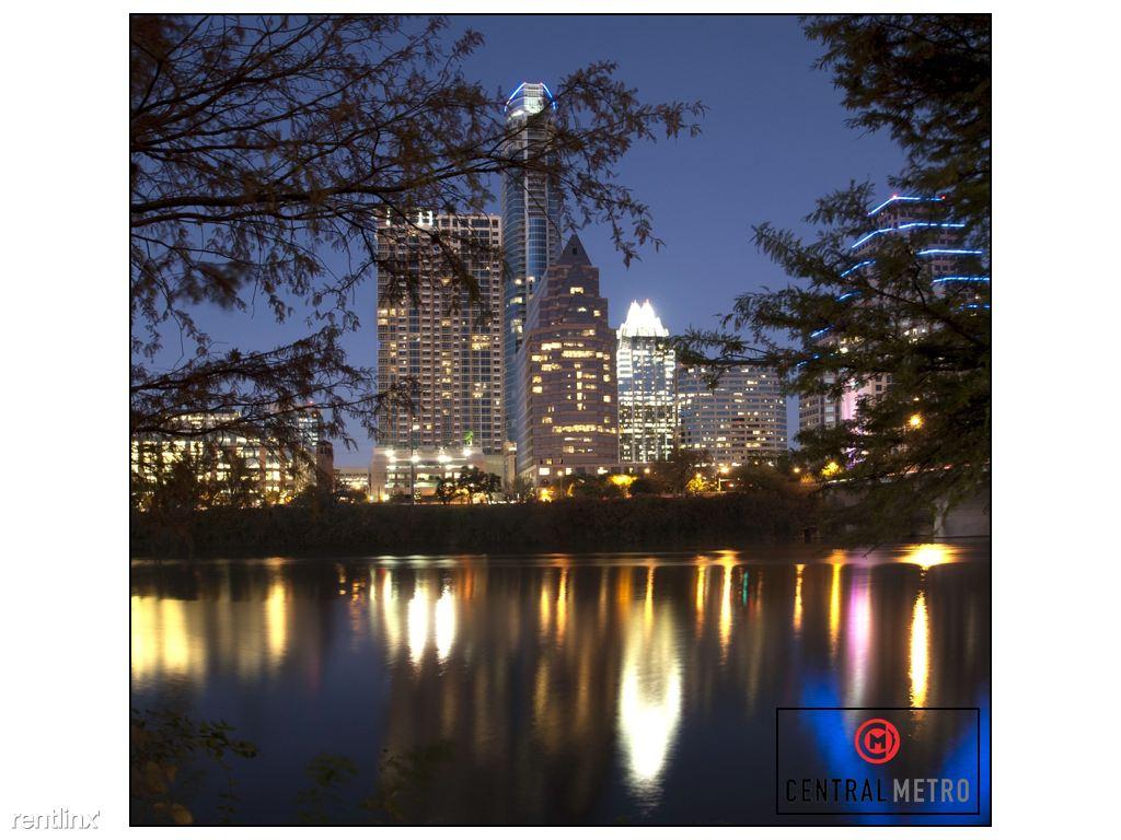 South Central Austin- Property 1600725 - 2636USD / month