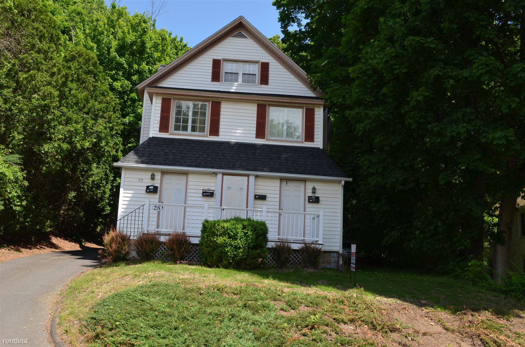 28 Hickok Ave, Bethel, CT - $875