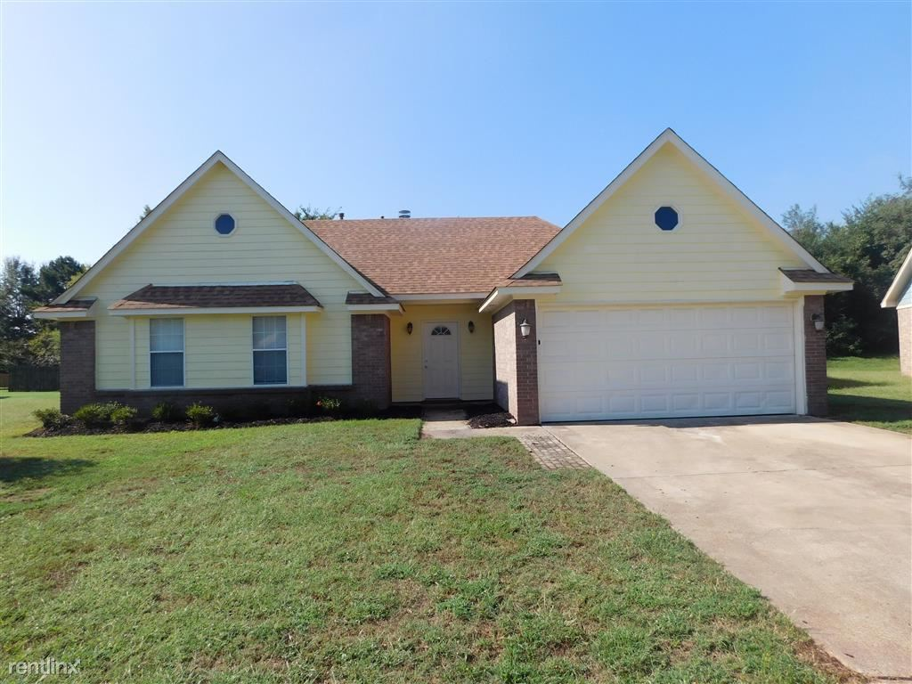 9889 Leigh Ann Dr, Olive Branch, MS - $1,249