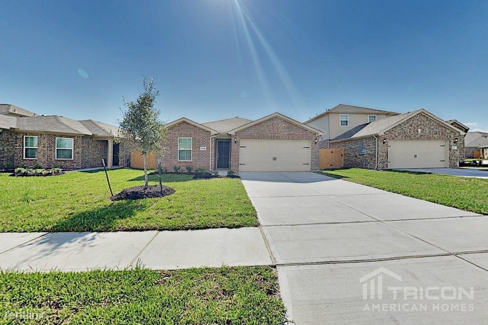 804 Painted Bison Drive, La Marque, TX - $1,625