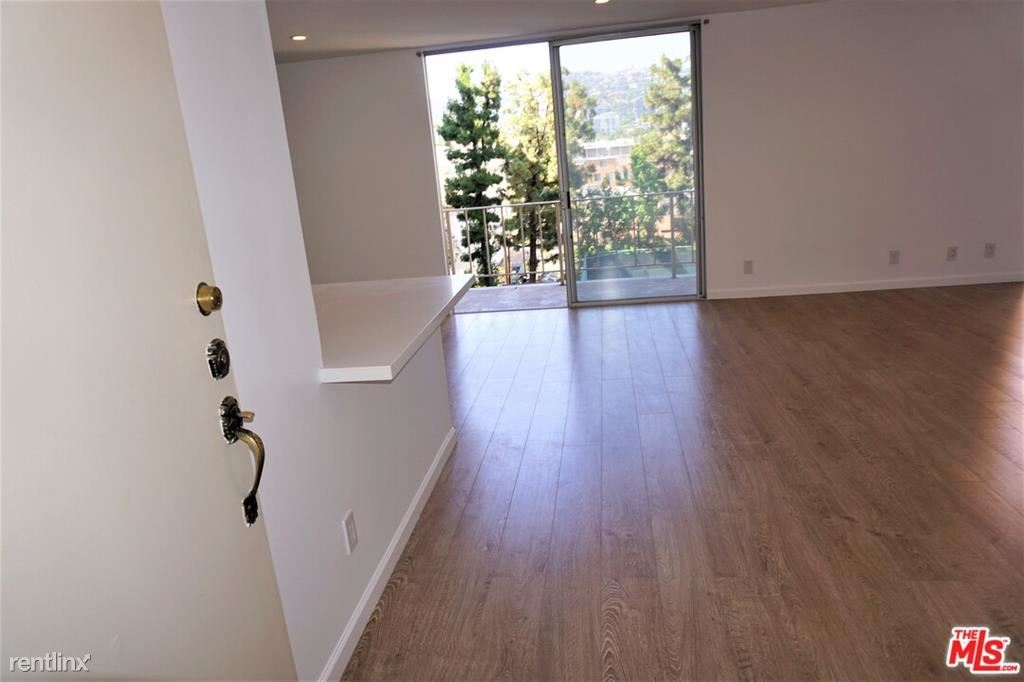 133 S Spalding Dr Unit 301, Beverly Hills, CA - $8,500