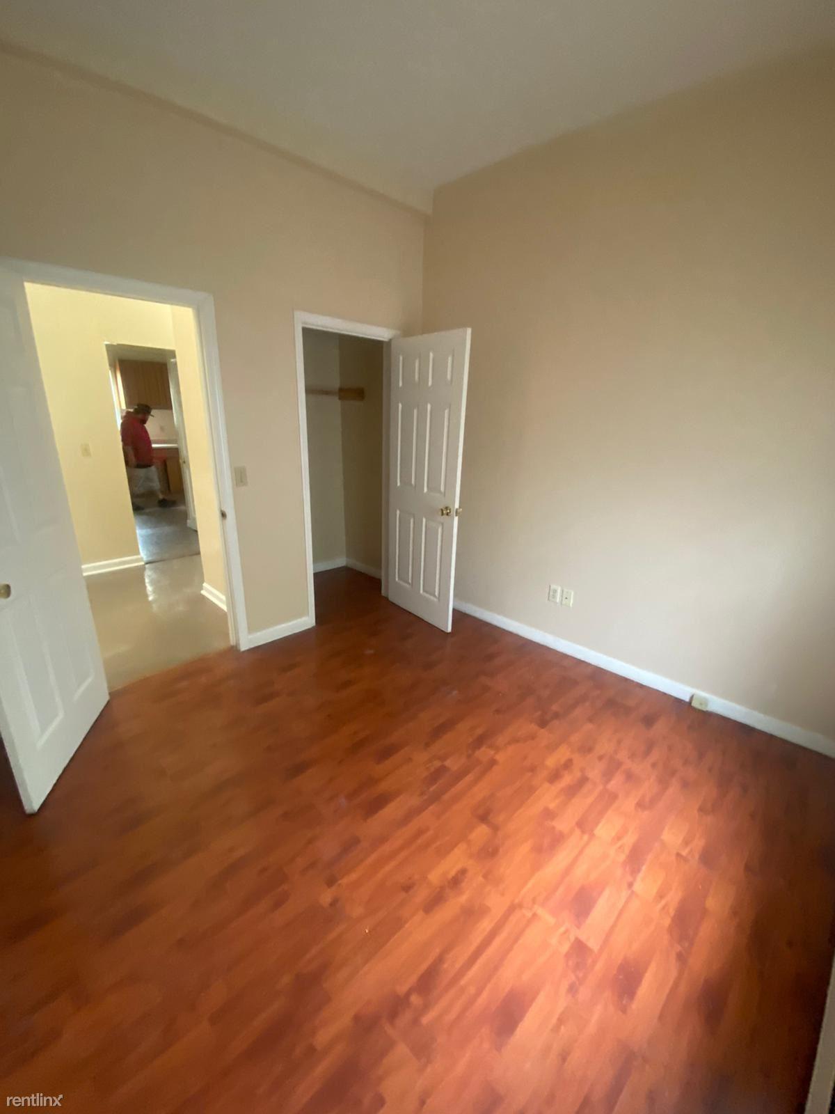 376 Brooks St, Bridgeport, CT - $2,100