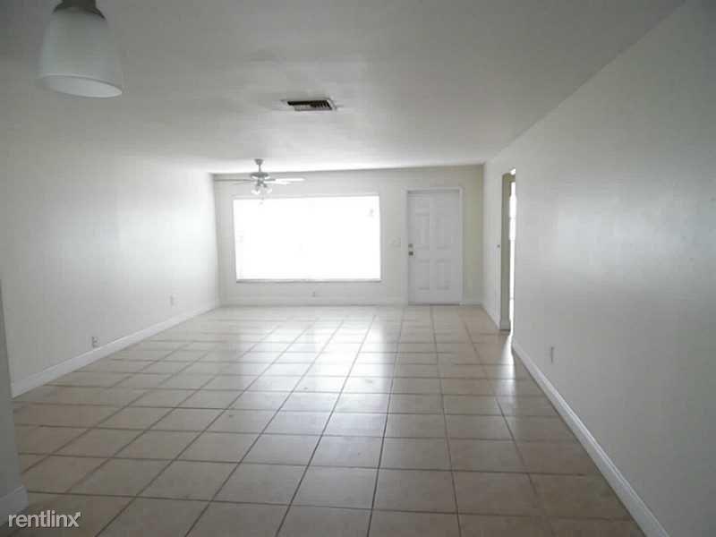 22159 SW 57th Ave, Boca Raton, FL - $2,215