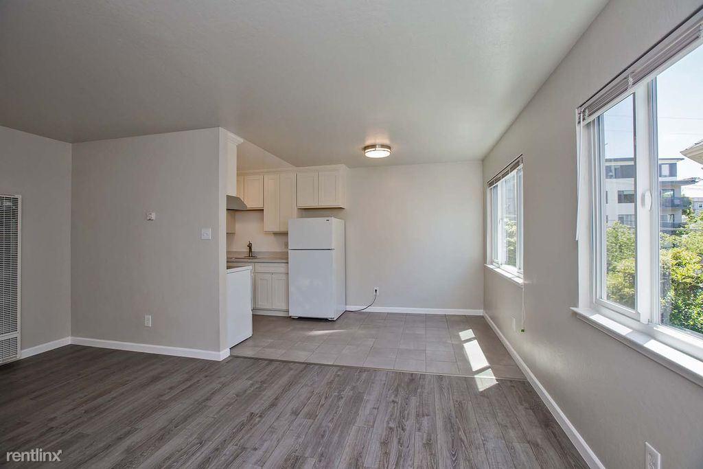 351 Hanover Avenue, Oakland, CA - $2,600