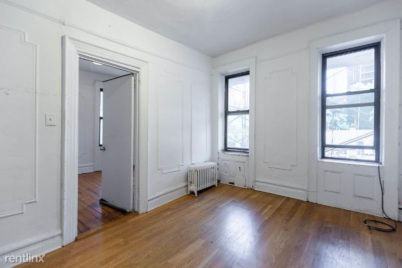 542 E 14th St 7, New York, NY - $3,125