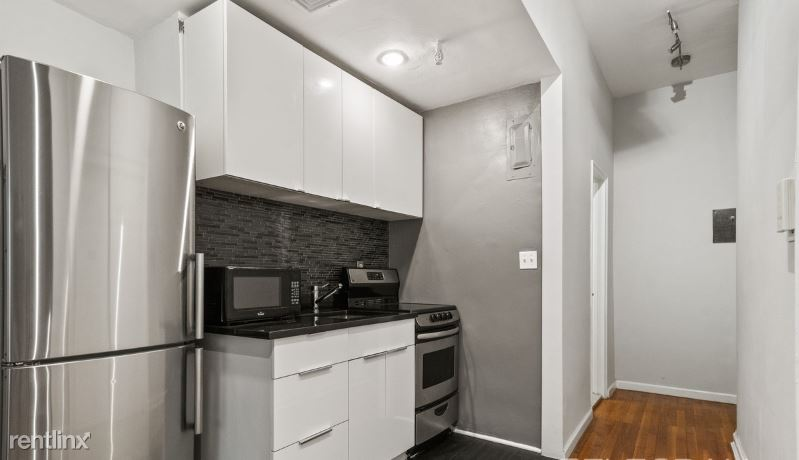 230 EAST 52ND STREET 4D, New York, NY - $2,495