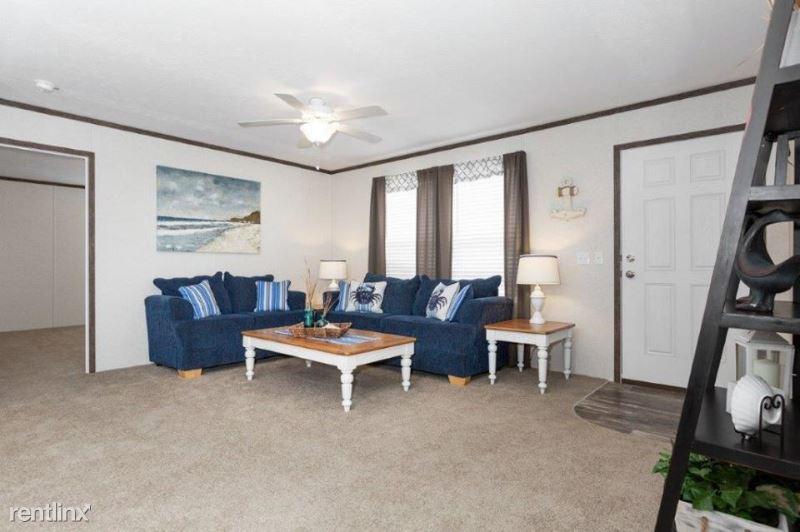 582 Burr Oak Ct 582, Flint, MI - $999