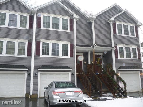 Pilgrim Ave, Worcester, MA - $1,800