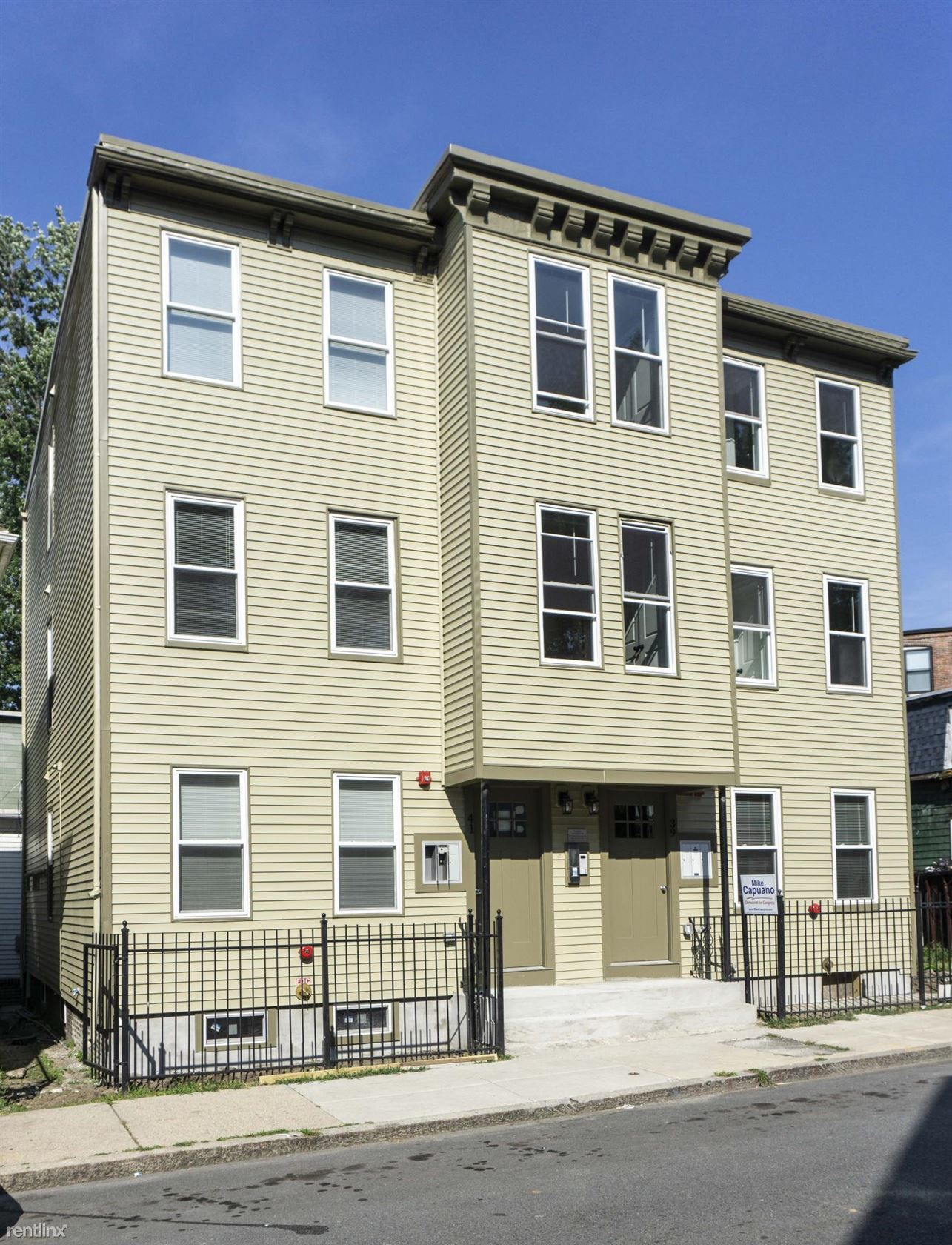 39 W Walnut Park Apt 2, Roxbury, MA - $2,700 USD/ month
