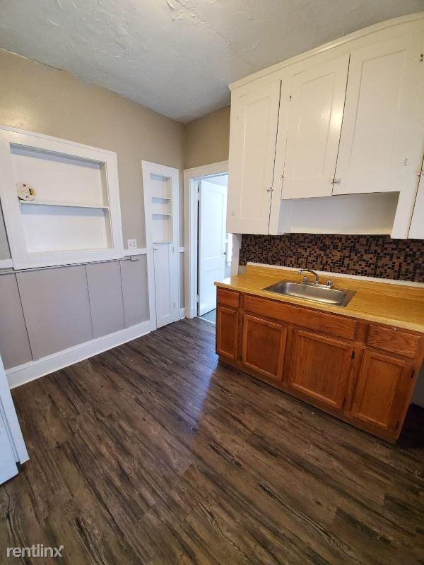 13346 Madison Avenue 4, Lakewood, OH - $600