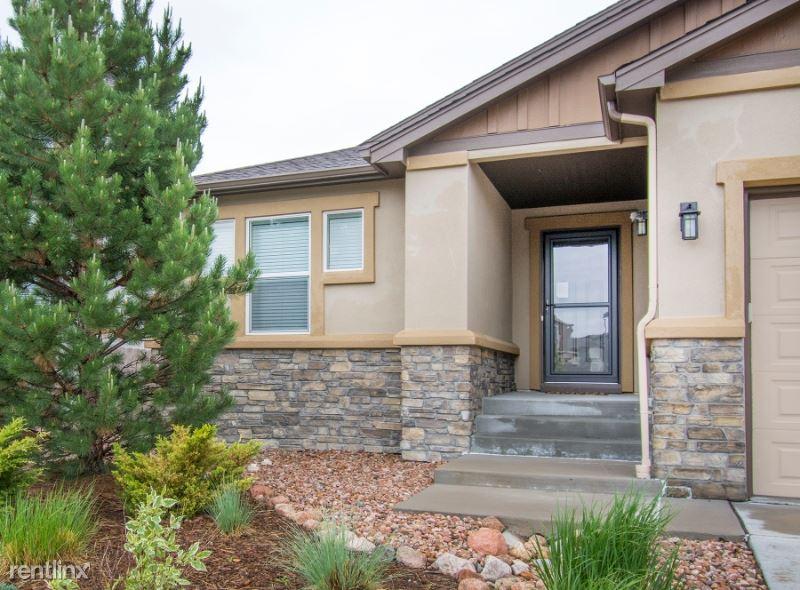 9939 Cub Lake Trl, Colorado Springs, CO - $2,900