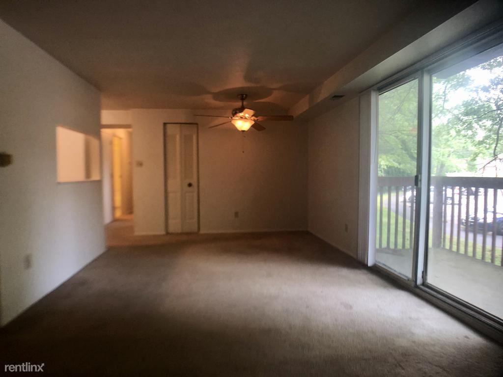 3005 Garden Apartment Dr Unit 22, Bridgeville, PA - $900