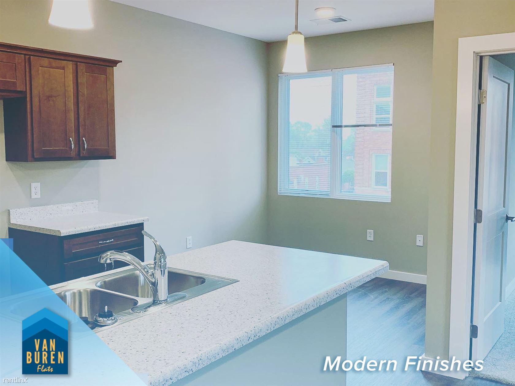 306 W Van Buren St, Columbia City, IN - $238