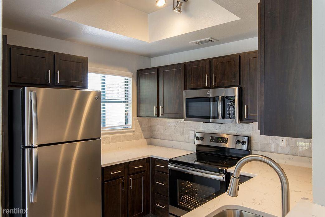 851 Hensley Ln, Wylie, TX - $998
