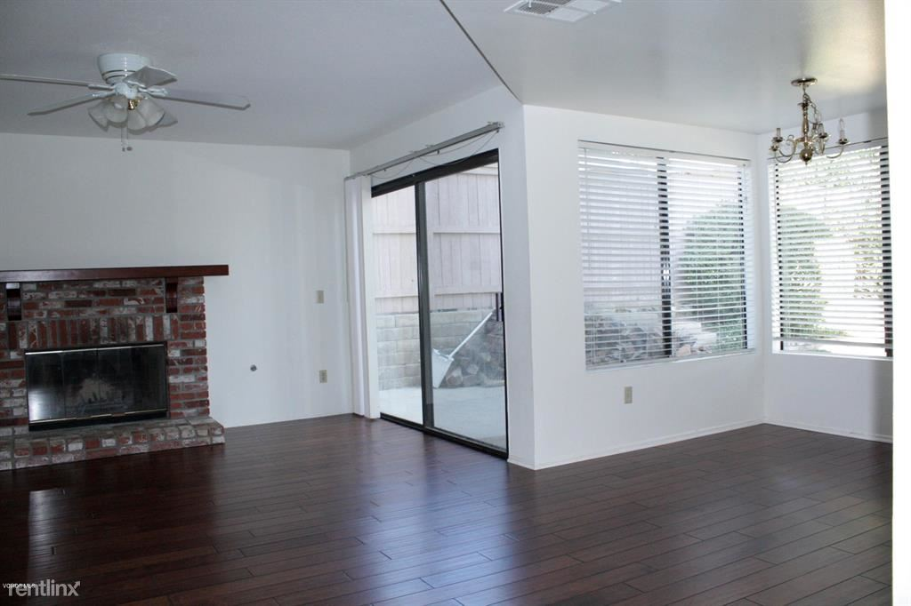 6340 Twin Springs Ave, Oak Park, CA - $4,150