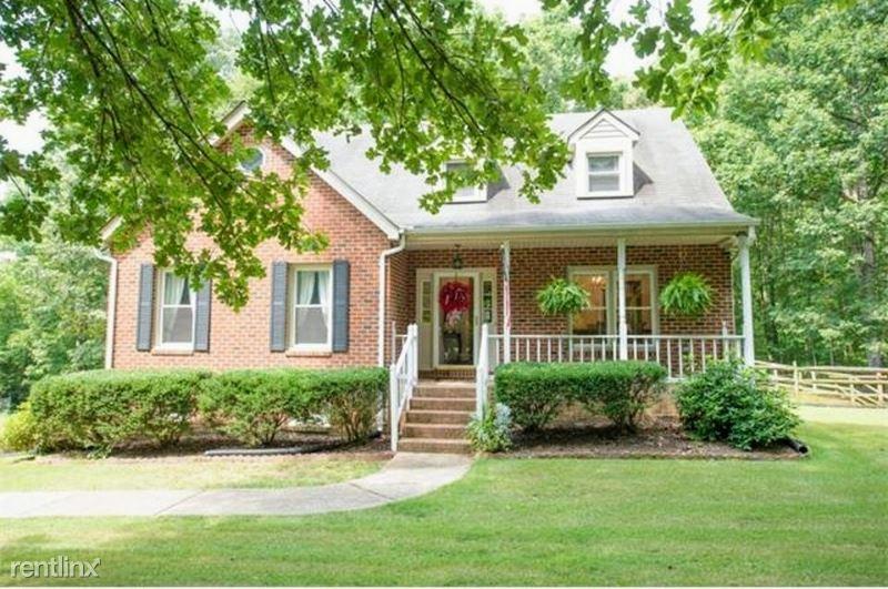 2722 Ravenwood Rd, Columbia, VA - $1,800