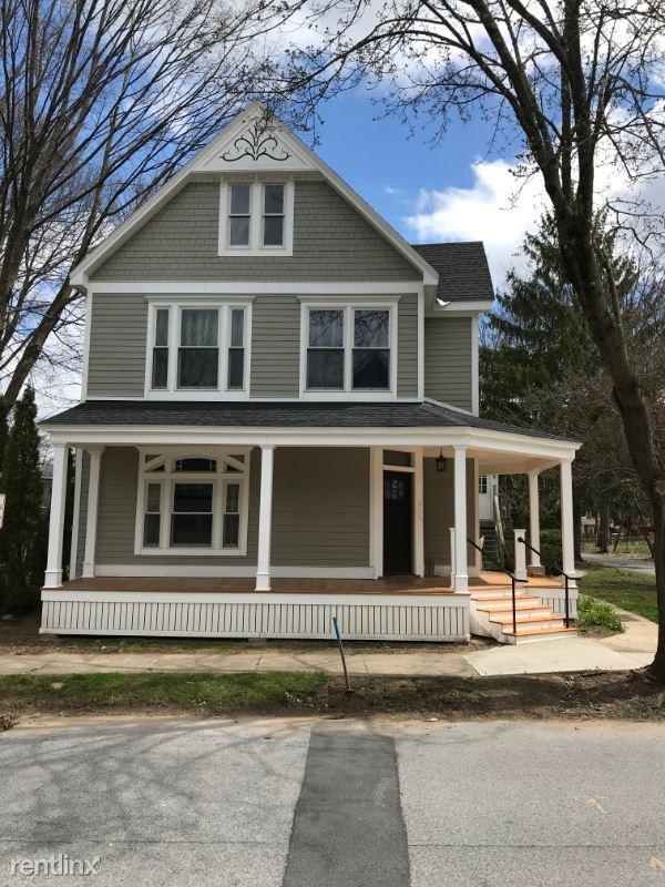 292 Nelson Ave, Saratoga Springs, NY - $1,795