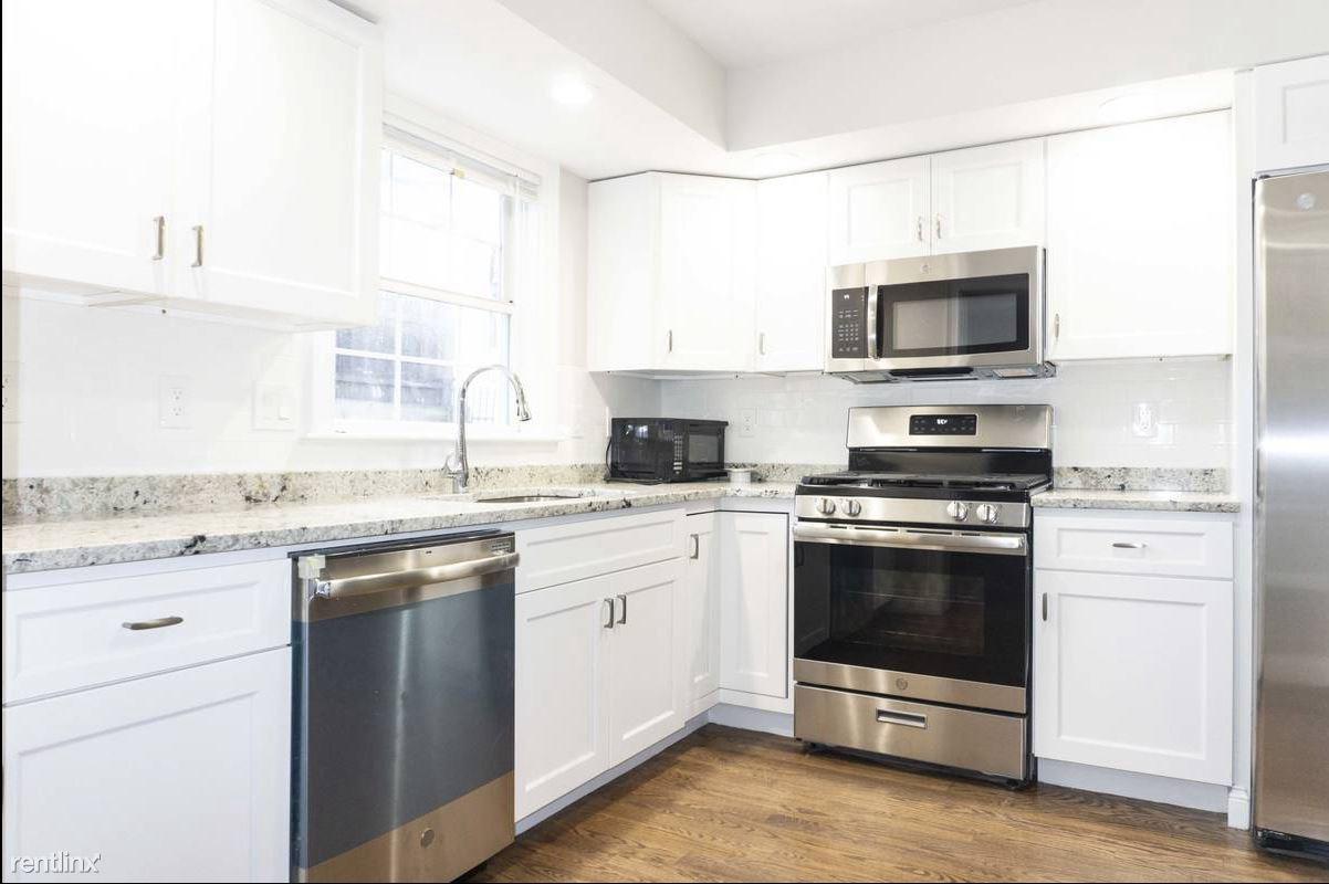 1 Commonwealth Ave, Boston, MA - $6,400
