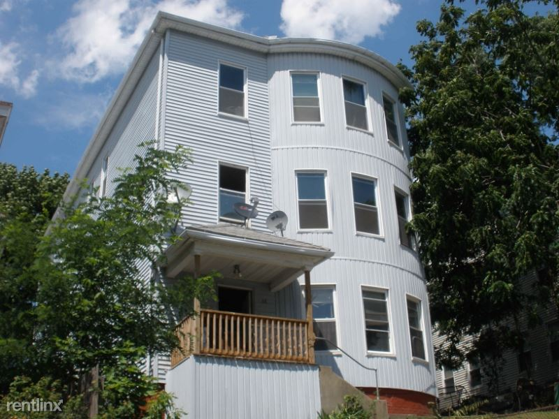 12 Suffield St 1, Worcester, MA - $1,600