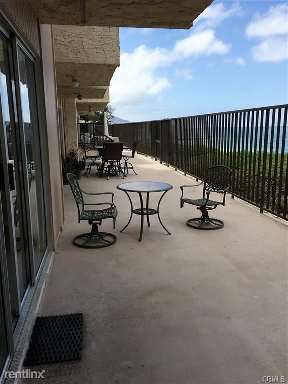 535 Esplanade Apt 105, Redondo Beach, CA - $4,100