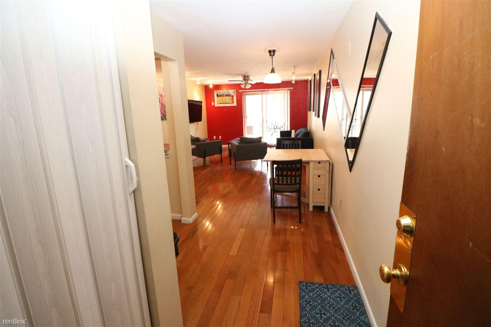 6 Hayes Rd, Roslindale, MA - $1,850