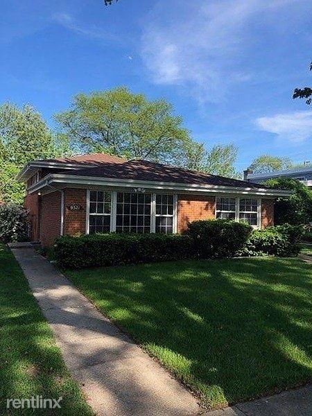 9521 Kenneth Avenue, Skokie, IL - $2,700