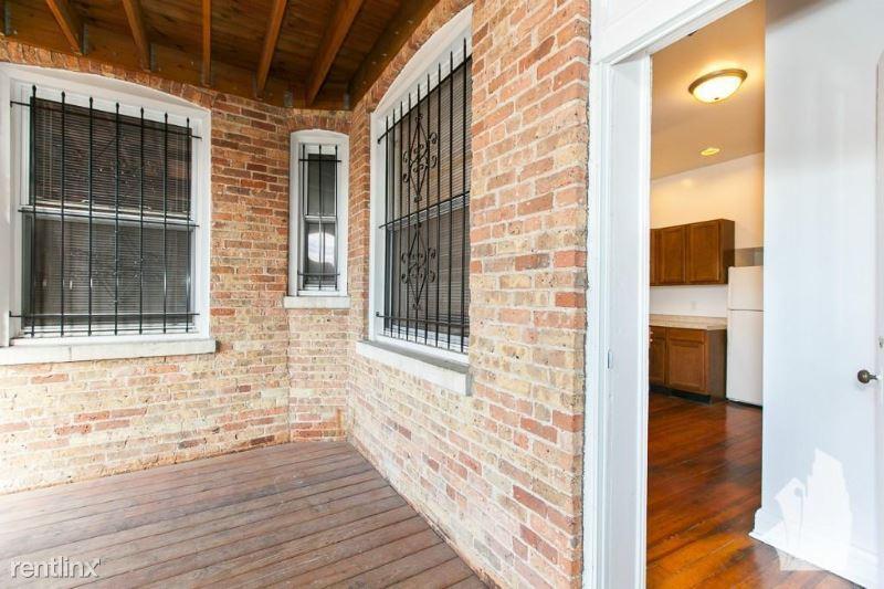 326 W Dickens Ave 15, Chicago, IL - $1,445