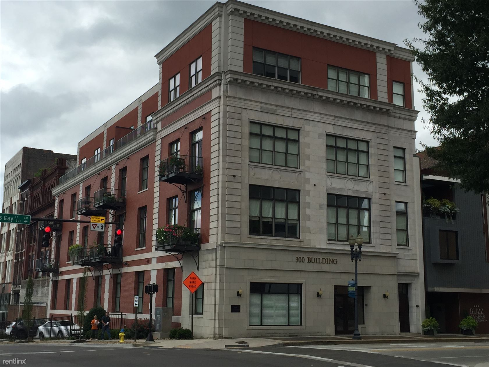 300 S. Gay St #302, Knoxville, TN - $2,600