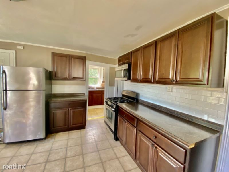 58 South Avenue, Meriden, CT - $1,300