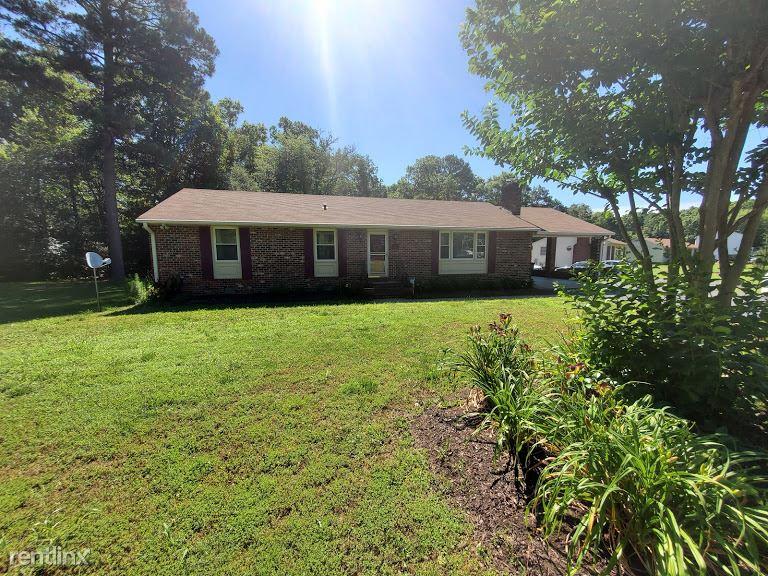 457 Evanrude Ln, Sandston, VA - $1,350