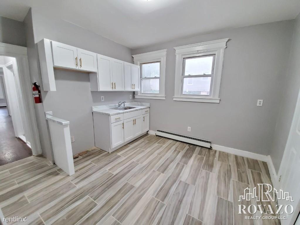 51 New St # 1, East Orange, NJ - $1,995