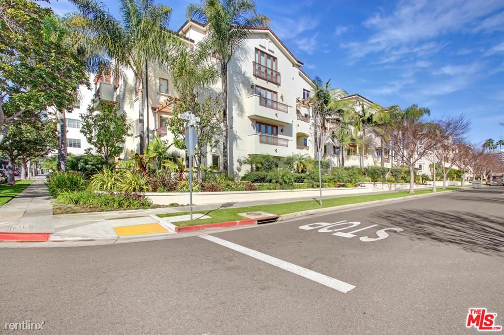 261 S Reeves Dr Unit 105, Beverly Hills, CA - $9,000
