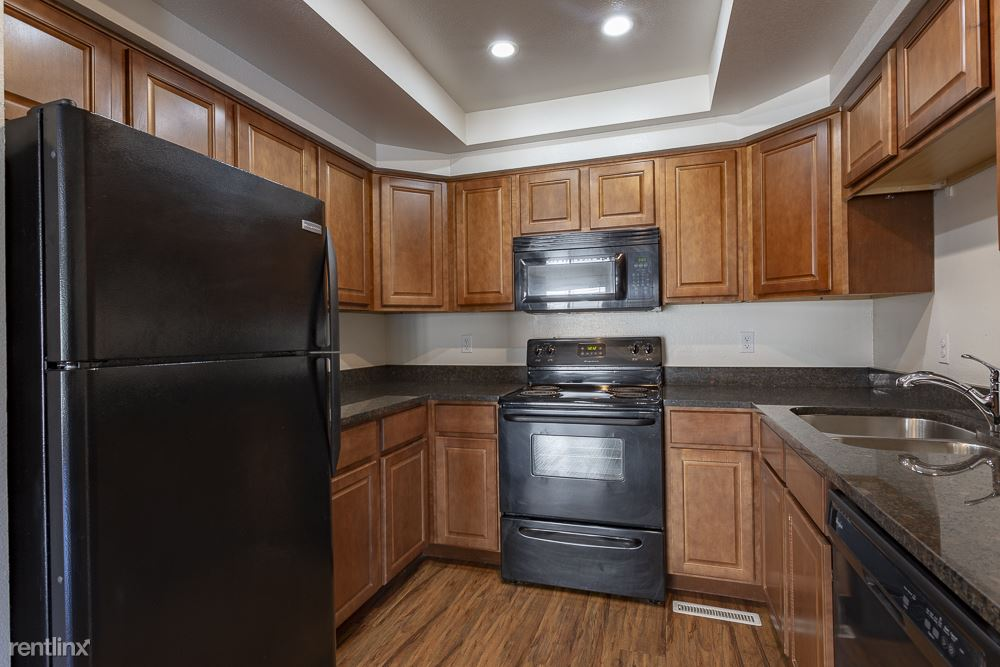 Condo for Rent in Lakewood