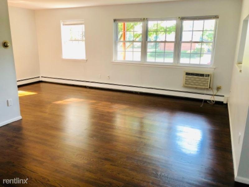 106 Nottingham Rd, Bedford Hills, NY - $1,595