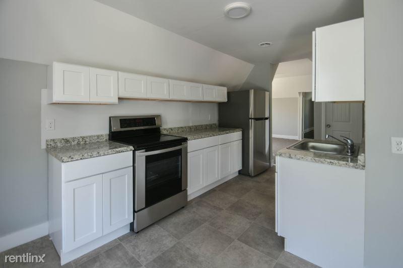 143 Beacon Valley Rd 2, Beacon Falls, CT - $1,200