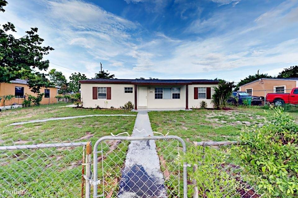 15701 NW 27th Place, Miami Gardens, FL - $2,149