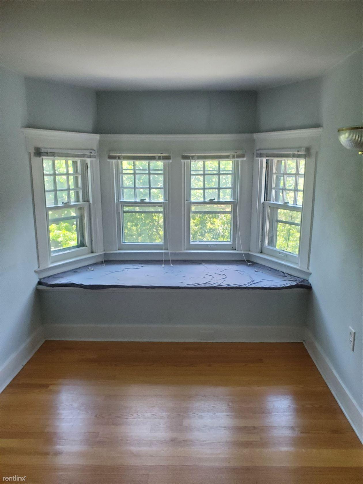 167 Linden St, New Haven, CT - $2,000