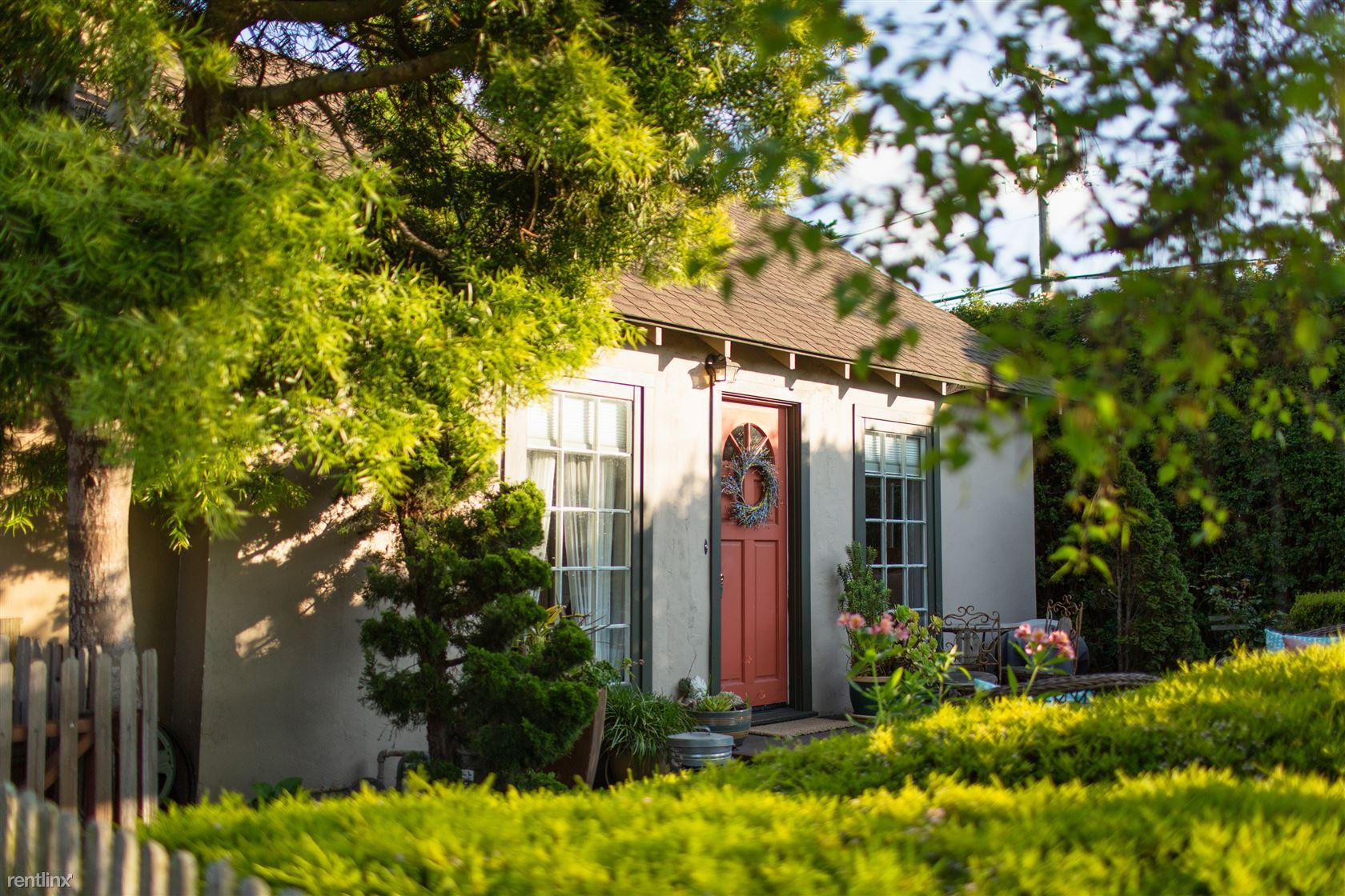 251 Dela Vina Ave, Monterey, CA - $4,392