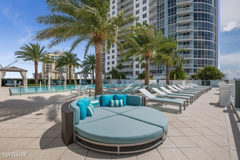 200 SE 8th Ave, Fort Lauderdale, FL - $2,110