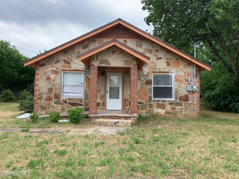 519 Hutchinson St, Bowie, TX - $850