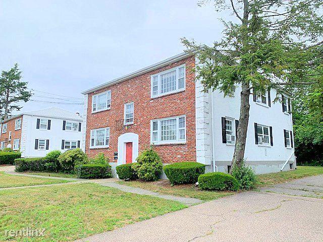 20 Abington Ave Apt 2R, Holbrook, MA - $1,425