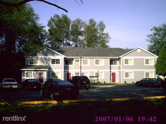 230 Mary Street Office, Clare, MI - $575