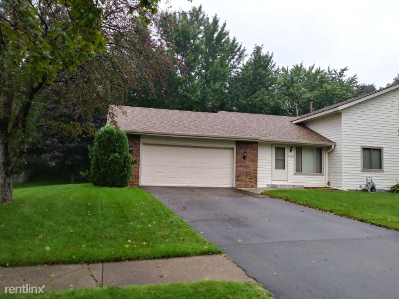 6710 131st Street West, Apple Valley, MN - $2,050