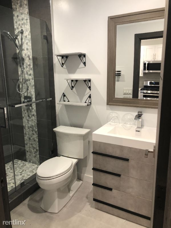 20838 W Kittridge St, Winnetka, CA - $1,900