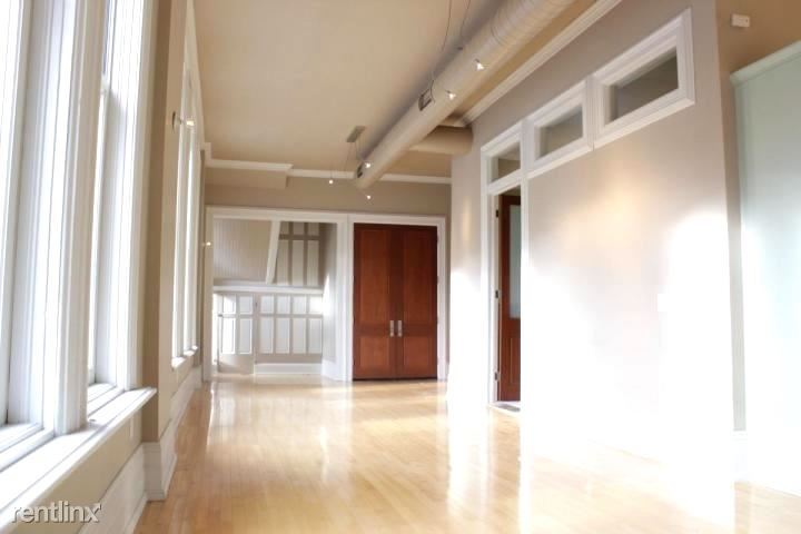 1001 N Old World 3rd St 2, Milwaukee, WI - $2,500