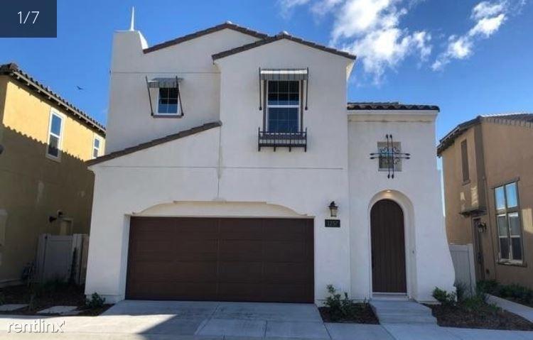 1237 Via Candelas, Oceanside, CA - $3,300